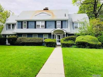 Little Neck Single Family Home For Sale: 53-68 254 St