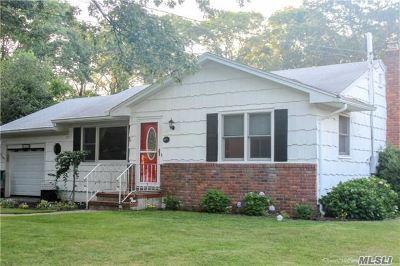 Hampton Bays Single Family Home For Sale: 29 Maryland