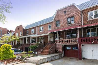 Sunnyside Single Family Home For Sale: 48-26 38th St