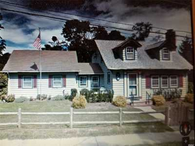 East Moriches Single Family Home For Sale: 21 Maple Ave