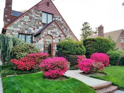 Whitestone NY Single Family Home For Sale: $1,375,000