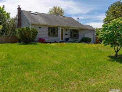 Smithtown Single Family Home For Sale: 1 Rutgers St
