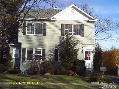 Bellmore Single Family Home For Sale: 107 Wilson Pl