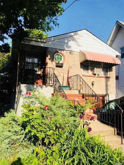 Fresh Meadows Single Family Home For Sale: 61-33 173rd St