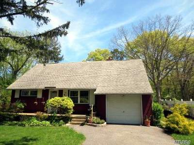 Bay Shore Single Family Home For Sale: 1131 Riley St