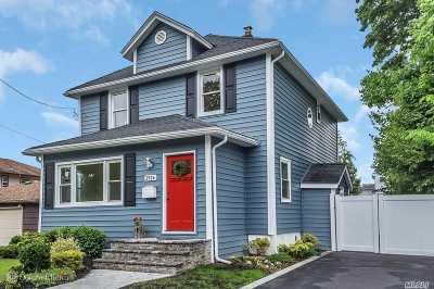 Bellmore Single Family Home For Sale: 2526 Newbridge Rd