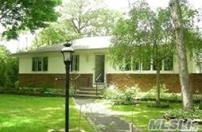 Hampton Bays Single Family Home For Sale: 18 Oakwood Rd