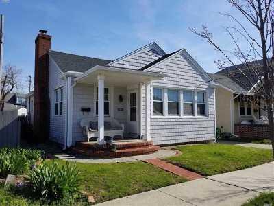 Long Beach NY Single Family Home For Sale: $479,000