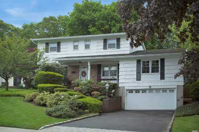 East Norwich Single Family Home For Sale: 118 Sunny Hill Dr