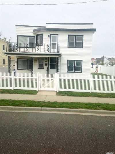 Long Beach Multi Family Home For Sale: 171 Grand Blvd