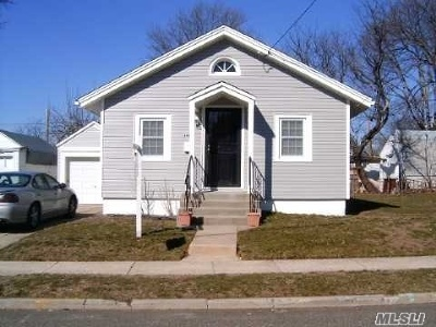 Westbury NY Single Family Home For Sale: $369,900