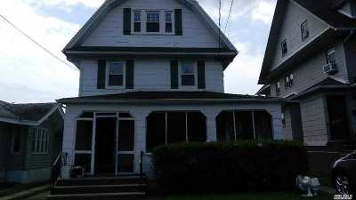 Bayside Single Family Home For Sale: 215-12 40th Ave