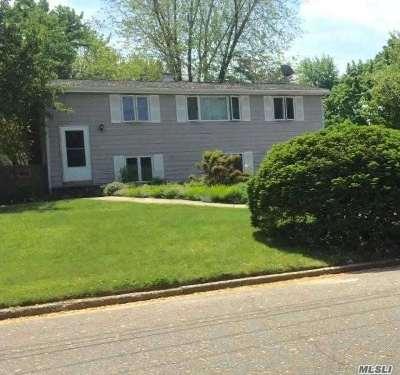 E. Setauket Single Family Home For Sale: 19 Badger Ln