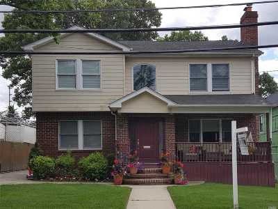W. Hempstead Single Family Home For Sale: 424 Maple St