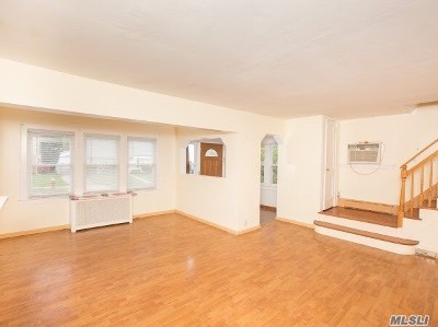 New Hyde Park Single Family Home For Sale: 68 Fulton Ave