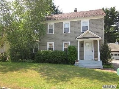 East Norwich Single Family Home For Sale: 23 Locust Ave
