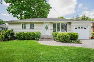 Oakdale Single Family Home For Sale: 134 Matthews Rd