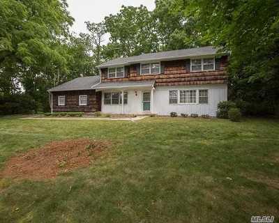 Stony Brook Single Family Home For Sale: 26 Blinkerlight Rd
