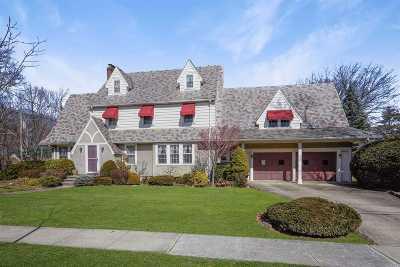 Rockville Centre Single Family Home For Sale: 25 Cornwell St