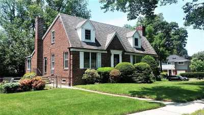 Douglaston Single Family Home For Sale: 5206 Douglaston Pky