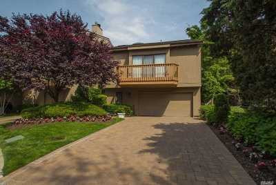 Woodmere Single Family Home For Sale: 19 Clubside Dr