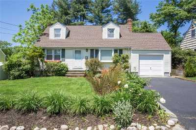 Huntington Single Family Home For Sale: 81 E 21st St
