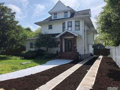 Freeport Single Family Home For Sale: 292 Locust Ave