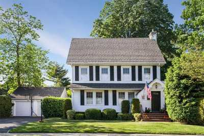 Garden City Single Family Home For Sale: 7 Garden St