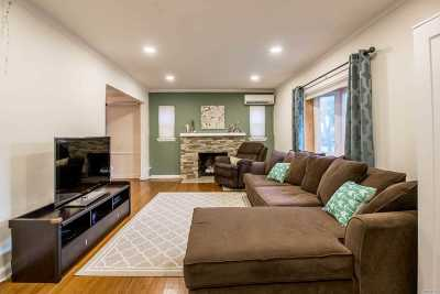 Fresh Meadows Single Family Home For Sale: 73-55 187th St