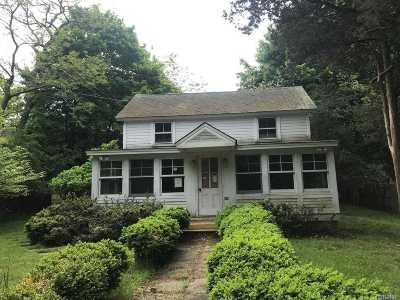 Sag Harbor Single Family Home For Sale: 3002 Noyac Rd