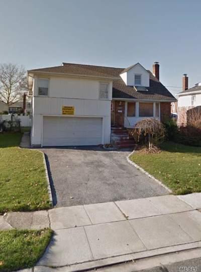 Oceanside Single Family Home For Sale: 3254 Judith Ln
