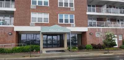 Long Beach NY Co-op For Sale: $199,000