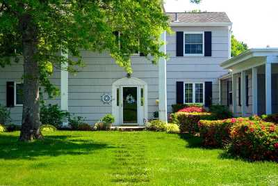 Southampton Single Family Home For Sale: 26 Saint Andrews Cir