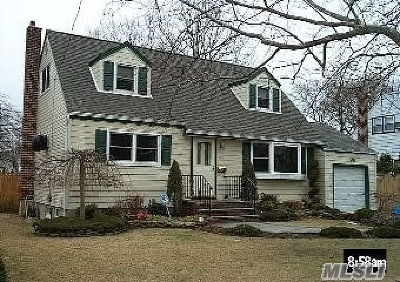 N. Massapequa Single Family Home For Sale: 161 N Beech St