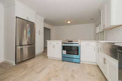 Patchogue Single Family Home For Sale: 62 Sherman St
