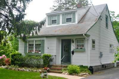 Patchogue Single Family Home For Sale: 142 Washington Ave