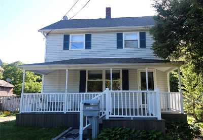 East Islip Single Family Home For Sale: 26 Greenwood Ave