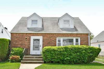 New Hyde Park Single Family Home For Sale: 550 7th Ave