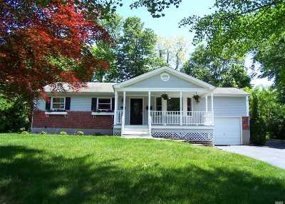 Port Jefferson Single Family Home For Sale: 115 Foxdale Ln