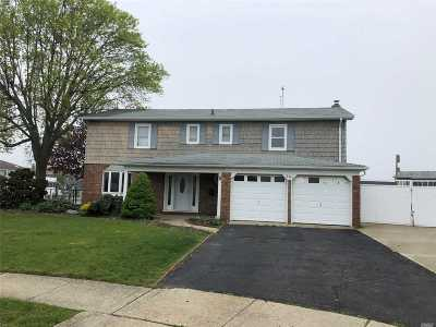 West Islip Rental For Rent: 201 Anchorage Dr