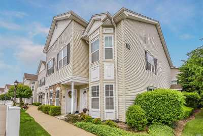 East Meadow Condo/Townhouse For Sale: 360 Spring Dr #360