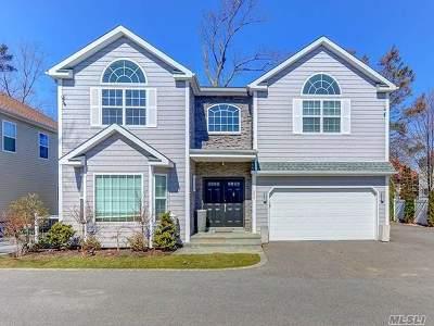 Westbury Single Family Home For Sale: 609 The Plain Rd