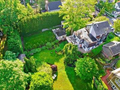 Sag Harbor Single Family Home For Sale: 29 Henry St