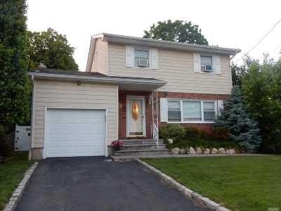 Huntington Single Family Home For Sale: 32a Nimitz St