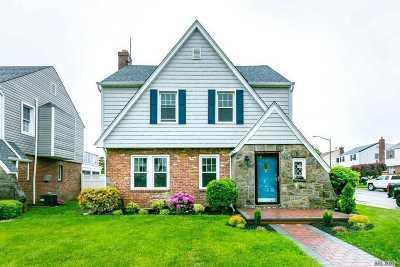 Whitestone Single Family Home For Sale: 23-02 169th St