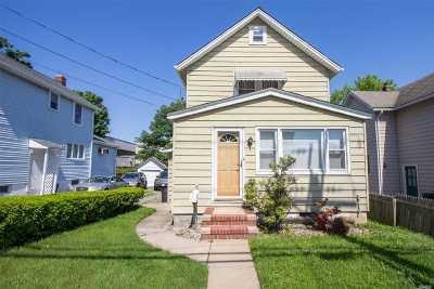 Port Washington Single Family Home For Sale: 43 S Bayles Ave