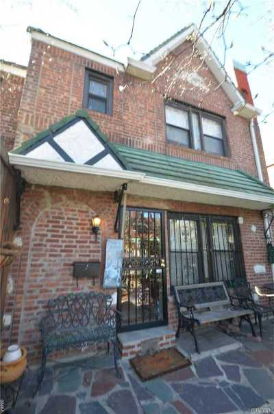 Woodside Single Family Home For Sale: 50-24 64 St