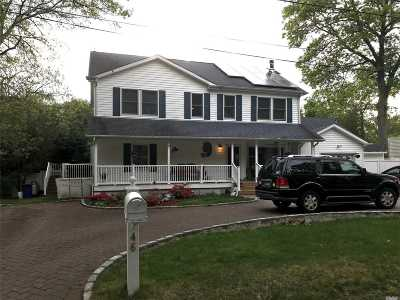 Patchogue Single Family Home For Sale: 46 Jefferson Ave
