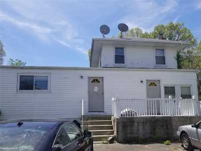 Copiague Single Family Home For Sale: 148 43rd St