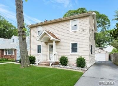 Merrick Single Family Home For Sale: 1865 Carroll Ave